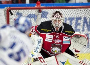 Malmö Redhawks målvakt Oscar Alsenfelt  under fredagens ishockeymatch i SHL mellan Malmö Redhawks och Leksands IF på Malmö Arena.
