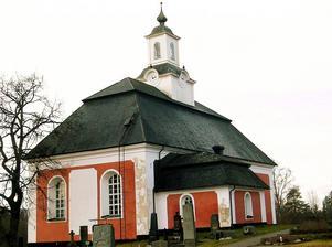 Helgmålsbönerna skiftar mellan Borgsjö kyrka, på bilden, och Haverö kyrka.