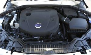 Två liter. Fyra cylindrar. Det är grunden för Volvos nya motorfamilj Drive-E som de närmaste två åren ska ersätta alla motorer. Först ut bland dieslarna är en med 181 hästkrafter som är både tyst och stark.Foto: Lennart Pettersson