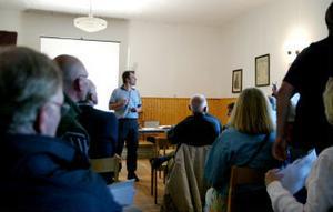 Mats Andersson från Lantmäteriet ville inte att ST skulle vara med under mötet, med hänsyn till att fastighetsägarna fritt skulle kunna uttrycka sina åsikter.