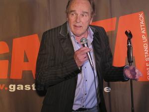 Lennie Norman, här på besök på humorklubben Gasta i Gävle. Fotograf: Nils Palmeby