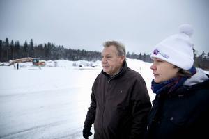 Leif Johansson, Forsa, och barnen, här dottern Maria Johansson, investerar 4,5 miljoner kronor för att öppna biltvätt på Medskogs södra industriområde. En likadan biltvätt planeras också i Bollnäs.
