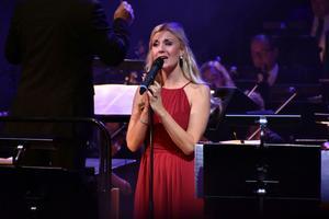 Emmi Christensson bjöd på flera kända musikalnummer i en konsert som inte gjorde någon besviken.