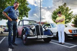 Bernt och Lena Österlund gillar att åka med sin DKW.