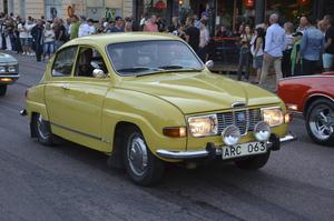 En gammal hederlig Saab i kanonskick.