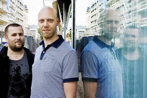LÄMNAR ÖVER. Magnus Lindblom och Kristoffer Blanck, som är två av delägarna, sålde i tisdags bolaget Brunnsgatan 63. De ska jobba vidare som it-strateg på SEB i Stockholm respektive kock på Gasklockorna och Campus Högskolan.