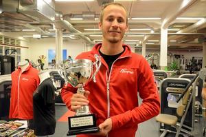Oscar Palm jobbar heltid och ofta mer därtill vid Forma. Nu har hans och kollegan Christoffer Gustafssins arbete belönats med priset Årets Gym.
