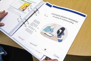 Den nya checklistan som ska hjälpa personalen inom demensvården.