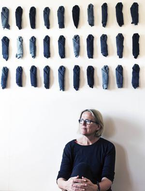 Kerstin Lindström ställer ut på Järnsta café, galleri Andra Våningen.