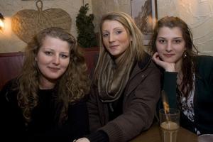 Café Stugan: Hajra, Amina och Tevfika