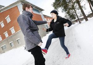 Gefle Dagblads reporter fick spela rånare.