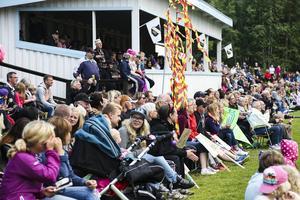 En stor publik hade letat sig till Solberga IP när Bykampen avgjordes under måndagskvällen.