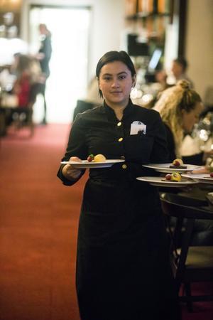 """Isabella """"Bella"""" Fredin hade god koll på sällskapet och deras olika matpreferenser."""
