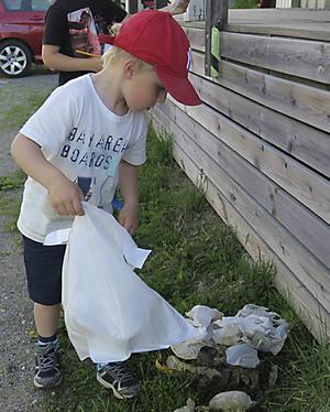 Elias gjorde ett bra jobb för att hålla Näske rent.