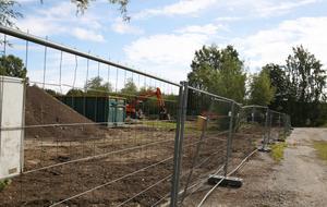 Ekeby förskola lades ner för flera år sedan. Nu rivs den för att ge plats för bostäder.
