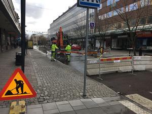 Stora gatan i Västerås var avstängd under stora delar av onsdagen på grund av en vattenläcka.