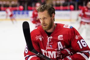 Timrås Sebastian Lauritzen ställer in säsongen efter hjärnskakningarna.