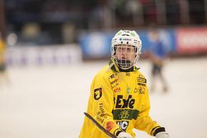 Emil Woxberg gjorde två mål på Katrineholm i lördags – och lär få fortsätta som anfallare i seriefinalen mot Unik.