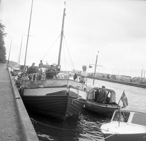 Småbåtsreportage i hamnen juli 1964.