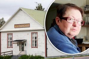 Birgit Lundgren och Trönö hembygdsförening är nöjda med både köpesumman och den nye ägaren.