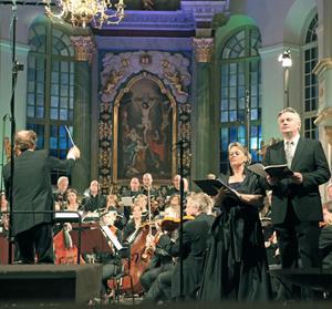 Fredrik Sixtens Requiem framfördes av Radiokören under ledning av Ragnar Bohlin och solisterna Karin Ingebäck och Anders Larsson i fredags i Härnösands domkyrka.