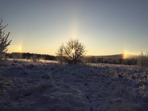 Den 6/1-16 Ljusnan i höjd med Nilsvallen/Byn. En mäktig upplevelse att få se haloeffekten. Minus 23 grader. Susanne Lövlie Åberg har fotat bilden.