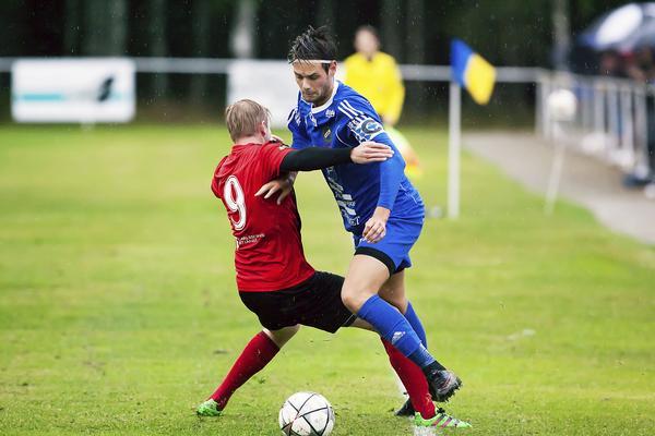 Lagkapten Joakim Larsson tycker att Fagersta Södra gjort en godkänd säsong men han hoppas att det unga laget kan lyftas sig ytterligare en nivå nästa år.