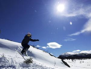 Knäskador är de vanligaste skadorna för skidåkare.