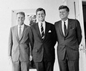 Kvinnokarlar. Bröderna Robert, Edward och John Kennedy och deras kvinnoaffärer fortsätter att vara litterärt stoff för Joyce Carol Oates.