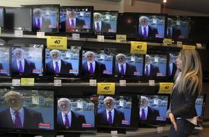 I blickpunkten. Greklands premiärminister Papandreou, som inte själv kan lastas för tidigare statistikfusk, måste be om nödlån från euroländerna och IMF. foto: Scanpix