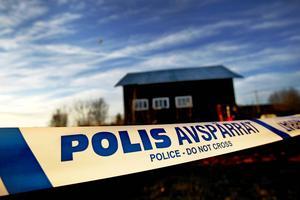 20-åringen, som är hemmahörande i Åre kommun, åtalas nu vid Östersunds tingsrätt misstänkt för misshandel av de två kvinnorna.