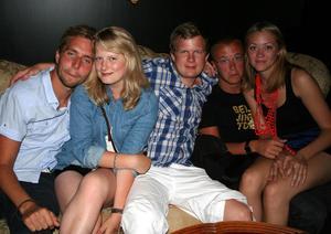 Rock och K Baren. Tobias, Vendela, Joakim, Albin och Zara