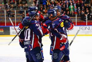 Linköpingsjubel sedan Magnus Johansson gjort 1-0 under fredagens SHL-match i ishockey mellan Linköpings HC och Modo Hockey i Cloetta Center i Linköping.