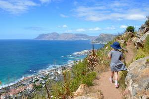 Vandring i Kapstaden - är man på semester i Kapstaden, så är ett besök i de små kustsamhällena på False Bay-sidan ett mysigt tips, enligt paret Warg.