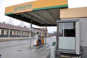 Januari 2012 lades tillbehörsförsäljningen i Preemmacken på Bangårdsgatan ner.