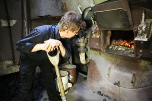Totte Zakrisson arbetar som eldare på S/S Stockvik.