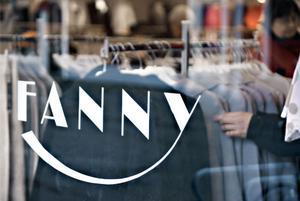 Fanny Mode, som bland annat finns i Bollnäs, säljer ut sitt sortiment efter konkursen förra veckan.