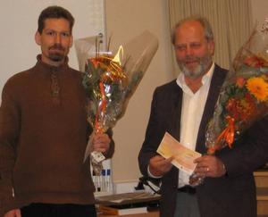 PRISTAGARE. Jonny Skogsberg och Lars Holmgren har belönats för sitt arbete med att sprida kunskap om Kråknäsjärnet.