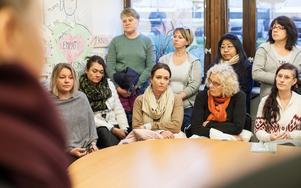 Det var upprörd stämning när ett femtiotal Kommunalanslutna samlades i fackförbundets lokal på tisdagsmorgonen.