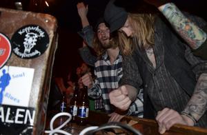 Bröderna Tomas Pettersson och Freddy Persson gillar bluesen.