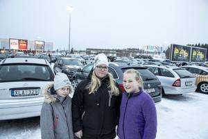 Malin Ivarsson från Östersund med döttrarna Ella och Frida: