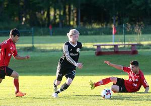 Det blev en underhållande och händelserik match när Hede/Vemdalen och Sundsjö drabbade samman på Vemvalla under onsdagskvällen