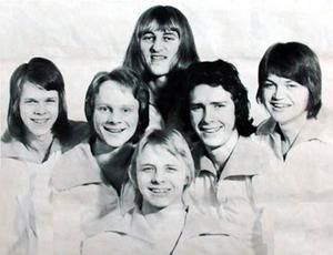 Överst syns Yngve Lindström, därefter (från vänster) Johnny Berggren, Börje Håsäther, Örjan Berggren, Lars-Inge Lodin och längst fram Stefan Sundström.