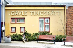 Mannen fångades in utanför Gävle tingsrätt när han skulle närvara på en förhandling.