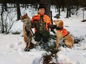 Maria Köhler och Piraya efter jakten på räven som vägde 12,1 kilo.