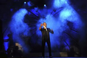 Fredagen den 14 mars spelar Joe Labero sin nya show inferno på Sportcentrum.