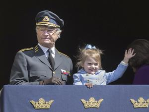 Kungligheter. Kung Carl XVI Gustaf och prinsessan Estelle.
