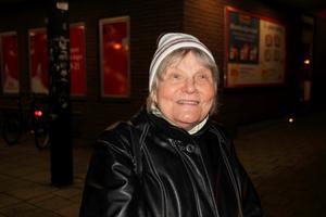 Eeva Lindell, 80 år, @Enkät namn:pensionär, Fagersta:–Jag minns hans sånger och böcker för barn. De var verkligen bra.