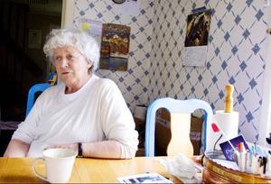 Diana Fernlund, ordförande i Föreningen nej till uran i Storsjöbygden, känner besvikelse efter torsdagens kärnkraftsbeslut i riksdagen. Foto: Sandra Högman