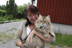 Eva Perssons passion är katter och även maken Hasse har varit en djurvän så länge han kan minnas.